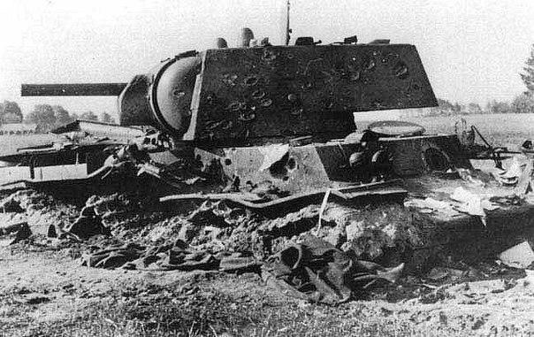 6-я танковая дивизия вермахта 48 часов воевала с одним-единственным советским танком КВ-1 («Клим Ворошилов»)