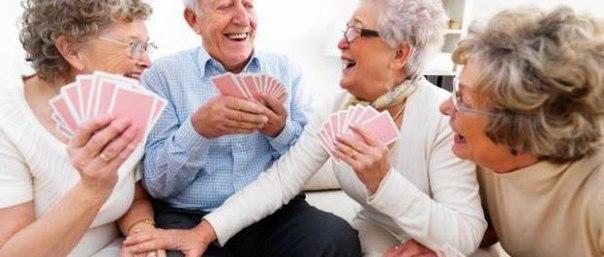 Исследователи считают, что пожилые люди должны меньше сидеть