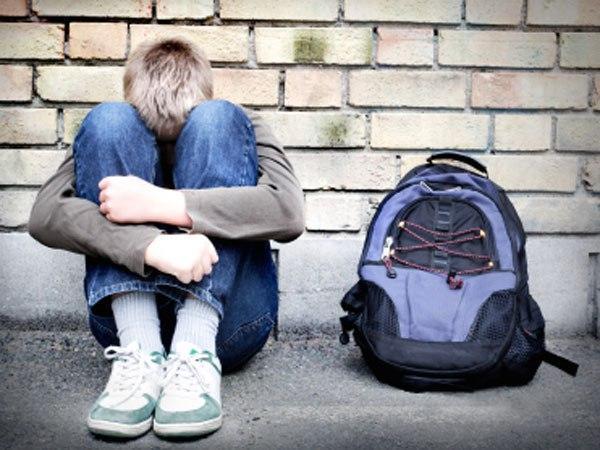 Издевательства над подростками приводят их к депрессии