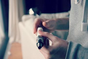 Подростки тянутся к электронным сигаретам